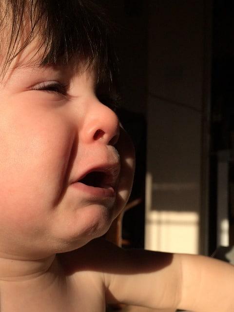 Защо бебето плаче?