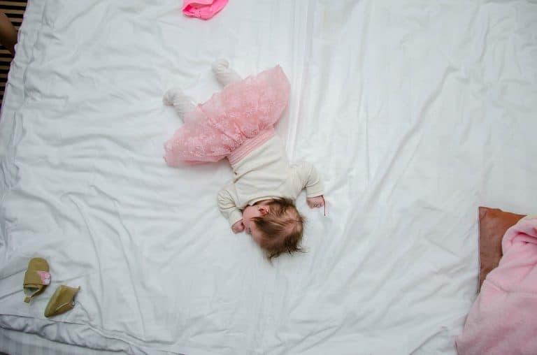 Спално бельо за момичета – съвети за родители